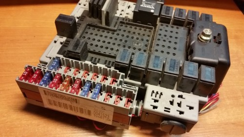 small resolution of volvo v70 2 5 tdi trunk fuse relay box junction relay box oem 9401802 0041523 article 9401802 0041523